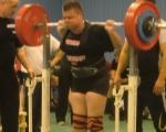 Linus inför 200kg lyftet.